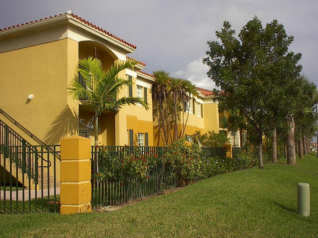 Palm Gardens Apartments Doral